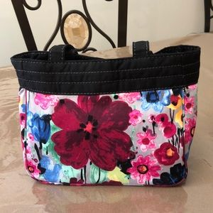 SALEI: Brand New. It's a Thirty One Shoulder Bag